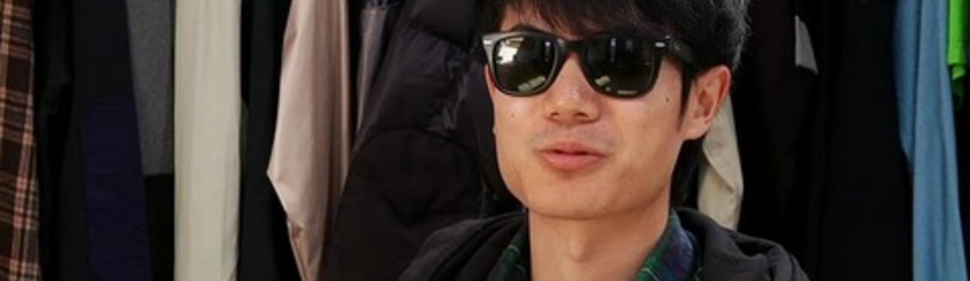 Meet Zhang Shou Wang (Carsick Cars)