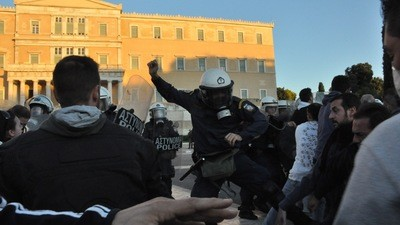 Gestern heulten wir Blut und Wasser bei den Krawallen in Athen