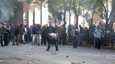 Traangas in je gaffel - een verslag van de rellen in Athene