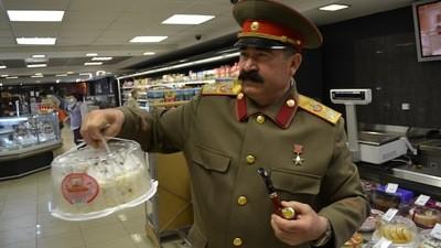 Geburtstags-Shopping mit Stalin!