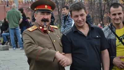 Fazendo Compras Com o Stalin Para o Aniversário do Lênin
