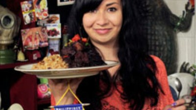 It's the Girl Eats Food Show!
