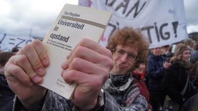 Studentenprotest 2011: Een slappe lul en een harde wapenstok