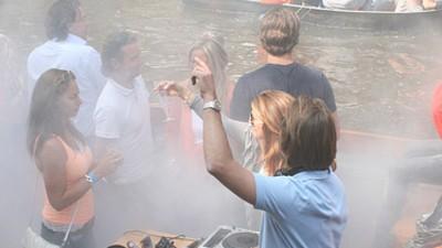 Dit mag dus niet meer! Boatstyle Canalrave 2012