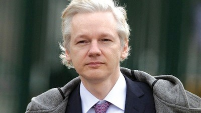 Everyone Poops but Only Julian Assange Doesn't Flush