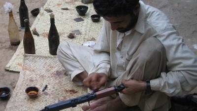 I signori della guerra pakistani sono persone ospitali