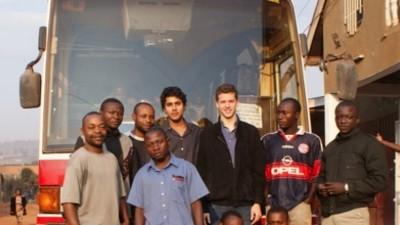 Een paar vrienden van me zijn een busbedrijf begonnen in Congo