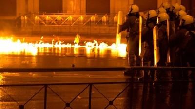 A Polícia Grega Pode Usar Seus Novíssimos Canhões de Água