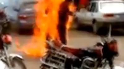 China está sobornando a los tibetanos para que no quemen a lo bonzo
