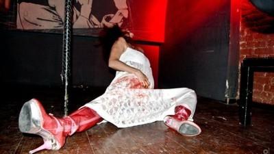 Eu sunt Lady Gaga port copite şi intru în viaţă în chip de diavol