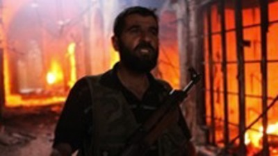 Síria: Incêndio no bazar de Aleppo