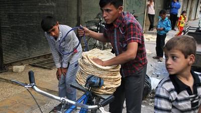 Siria - Colas para comprar pan en Alepo