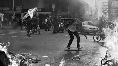 Fotografiile astea te fac să uiți de toate luptele și ura din Grecia