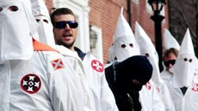 Qui compatit avec le Ku Klux Klan ?