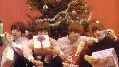 Ciudățenii de Crăciun cu Beatles