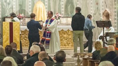 Fui a una de las últimas misas para gays en la iglesia inglesa de Nuestra Señora de la Asunción