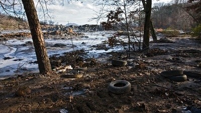 Coal Spills Can Ruin Everything, Too
