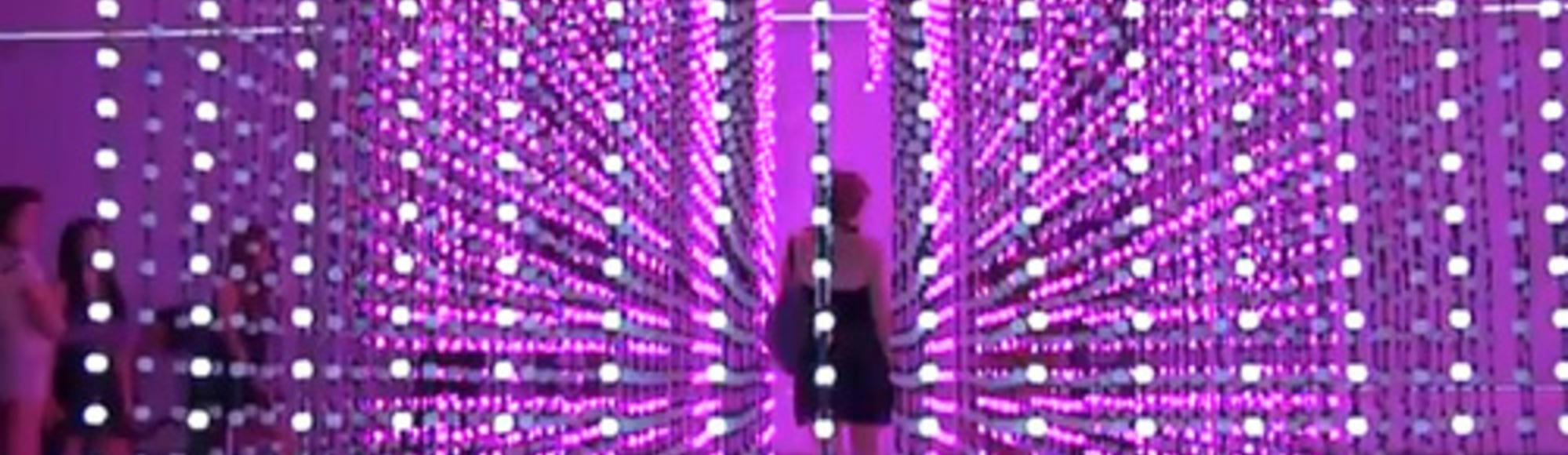 6,000 Light Bulbs React to Your Movements