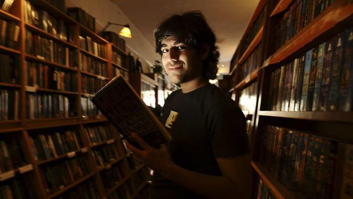 The Great American Hack: David Foster Wallace and Aaron Swartz