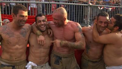 Trei zile de război pe terenul de fotbal din Florența