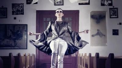 Premieră în România: Artă și modă într-o biserică