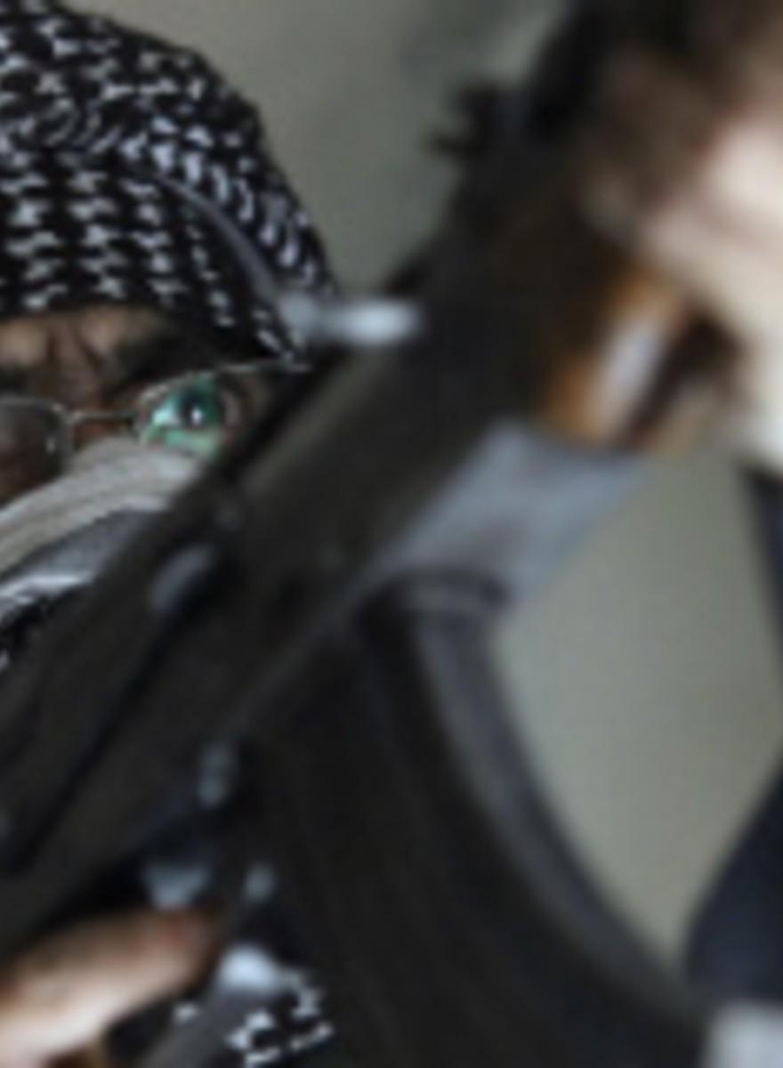 Entrevistamos um Comandante e um Rebelde do ELS