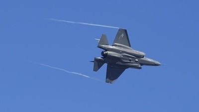 The US's Stealth Fighter Is Too Heavy and Slow