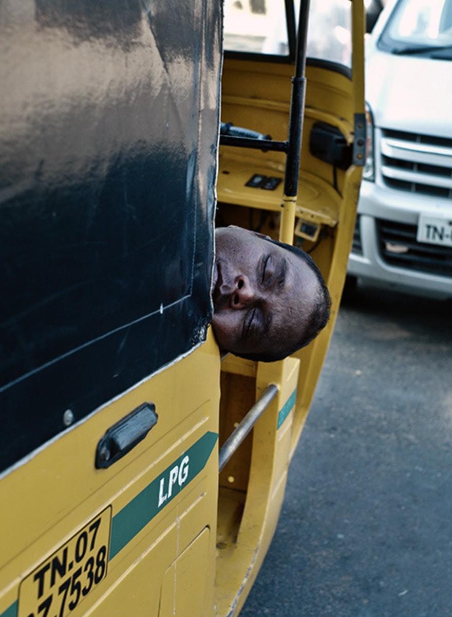 Hey, schlafen diese Taxifahrer oder sind die tot?