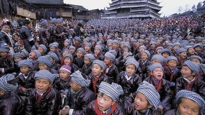China zet geniale baby's in elkaar