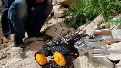Ein Roboter wird die Syrier vor Assads Scharfschützen retten
