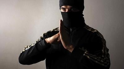 Me corrí 7 veces seguidas gracias a un sexólogo que se viste de ninja