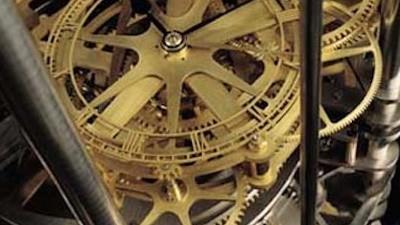 Unos ricos están construyendo un reloj gigante dentro de una montaña