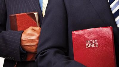 Un garçon de 11 ans poursuit en justice les Témoins de Jéhovah