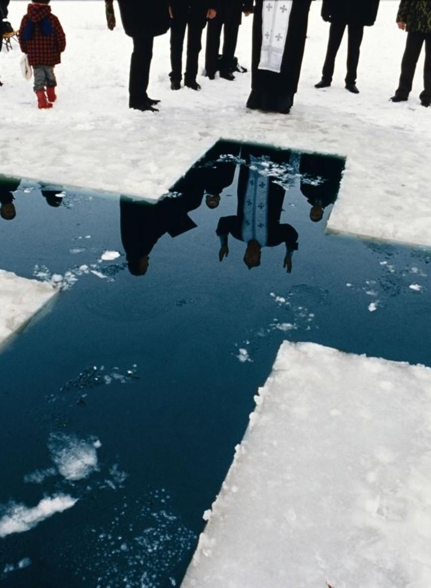 Jonas Bendiksen fotografa Paesi che non esistono