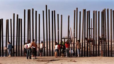 Kai Wiedenhöfer Hates Walls, but He Photographs Them Anyway