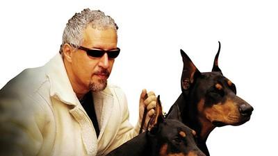 Ja, es gibt ihn wirklich: den Hunde-Schönheitschirurgen