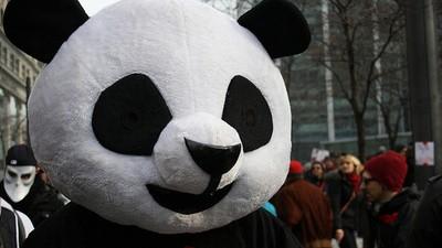 Manifestarte con una máscara en Canadá te puede costar diez años de prisión