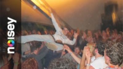 Nederland heeft er een heel vet festival bij. Het heet Best Kept Secret.