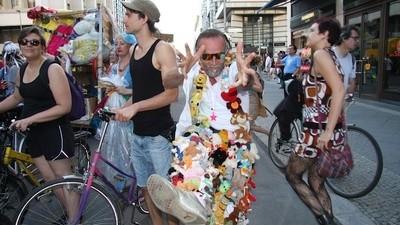 Trashen statt Fashion: Kampf dem Modezirkus