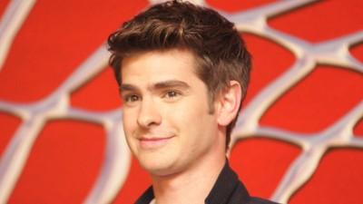 El actor que interpreta a Spider-Man sugiere que éste podría ser gay