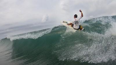 Platicamos con un par de surfers mexicanos