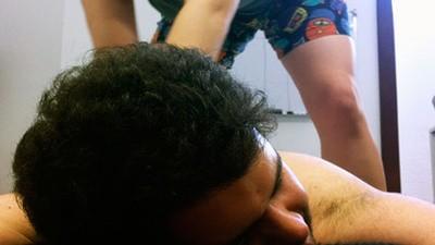 Uma miúda fez-me uma massagem a troco de um bilhete para o Milhões