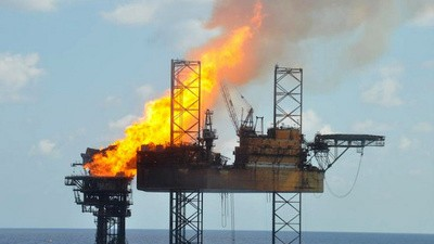 Nature Can Clog Oil Rig Fires, But Shouldn't Have To