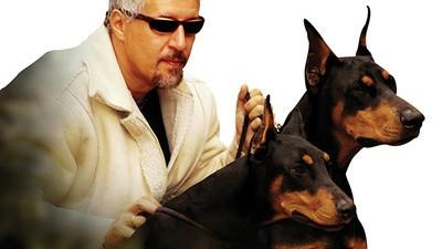 ¿Es tu perro feo de cara? Este hombre te puede ayudar