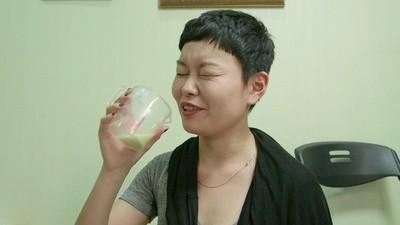 Os coreanos bebem vinho de fezes