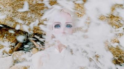 La Barbie del espacio fotografiada por Synchrodogs