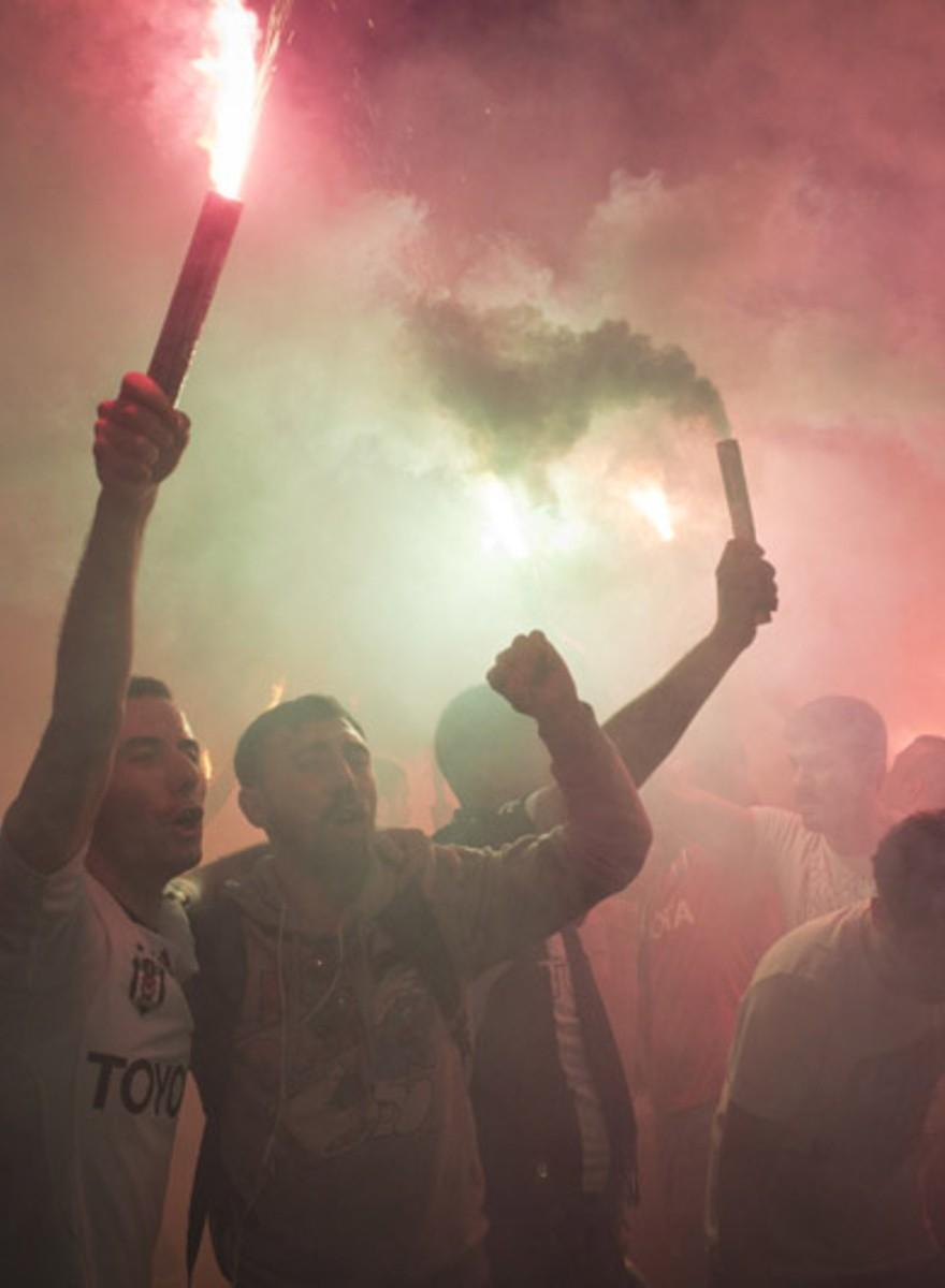 La batalla por el corazón de Estambul continúa