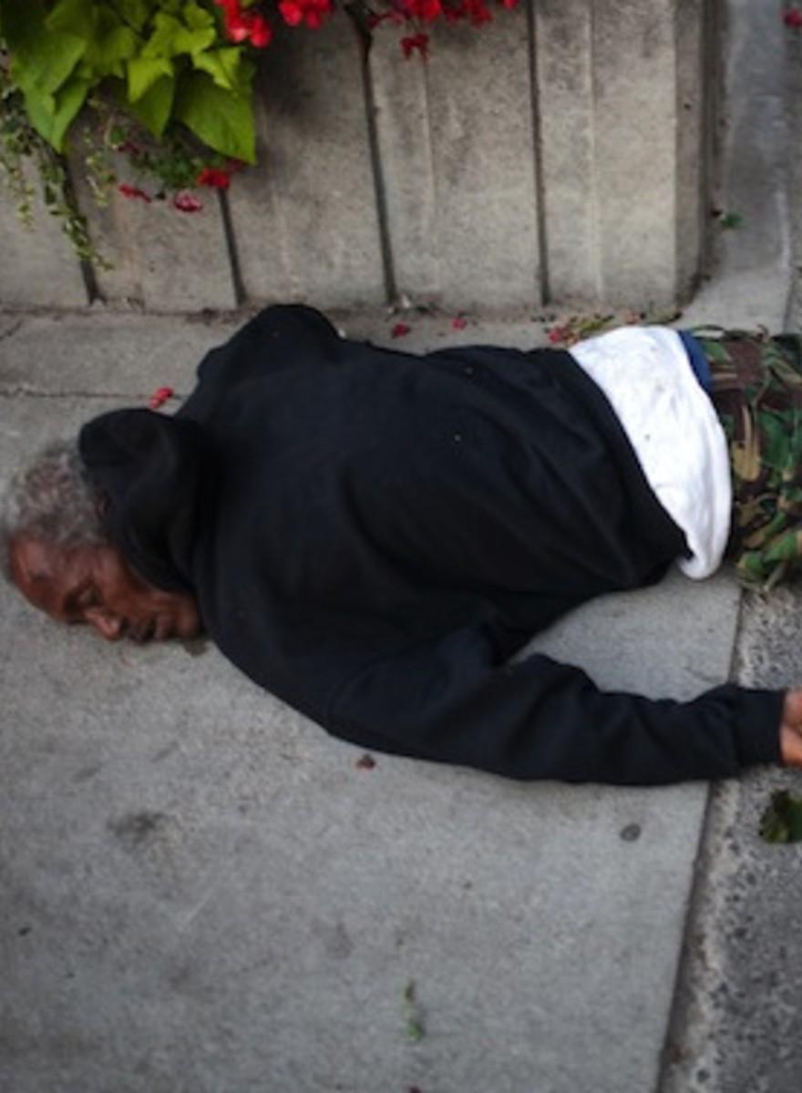 Las devastadoras –pero fascinantes– fotos que Jeff Bierk hace a yonquis