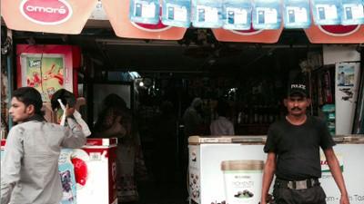 Condooms kopen is in Pakistan een hoop gedoe