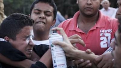 Vigilantes voluntarios marcan a los acosadores sexuales con esprays en Egipto